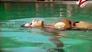 roshni chopra in bikini--hot
