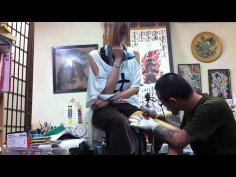刺青ガール