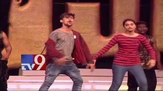 Special dance performances at Khaidi No 150 Pre Release Event - TV9
