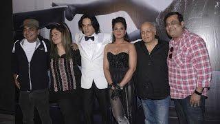 Mahesh Bhatt & Pooja Bhatt On The Sets Of CABARET