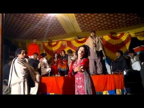 HD GILLI KURTI - SAMINA KHAN MUJRA - PAKISTANI MUJRA DANCE 2015