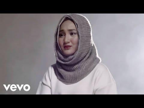 Fatin - Salahkah Aku Terlalu Mencintaimu (Official Music Video) (Video Clip)