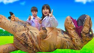 お医者さんごっこ 恐竜 に食べられた~!!! こうくんねみちゃん Play doctor hit by Dinosaur