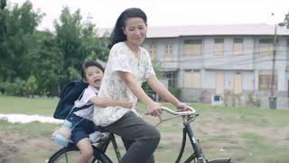 أرادت الأم ان توصل طفلها الى المدرسة على الدراجة ..لكن عندما كانوا في طريقهم للمدرسة.. حدثت المفاجئة