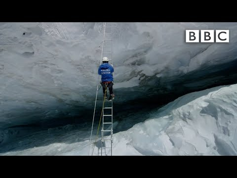 Crossing Everest's deadly slopes Earth s Natural Wonders Living on the Edge BBC