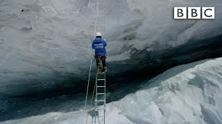 Crossing Everest's deadly slopes: Earth