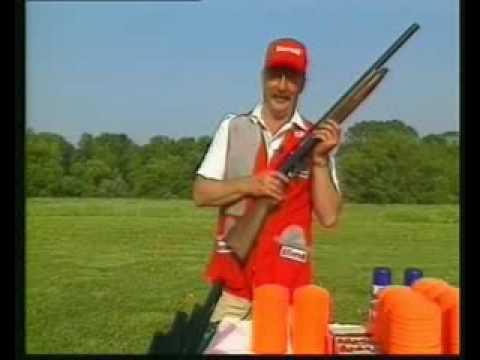 Tirador de Benelli acojonante.El vídeo de tiro con escopeta mas visto de youtube