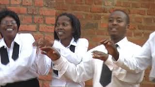 Ni iki cyatuma ntagushimira Nyagasani by Chorale Rosa Mystica Gatsata