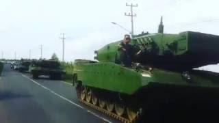 Pergerakan empat unit  Leopard 2RI