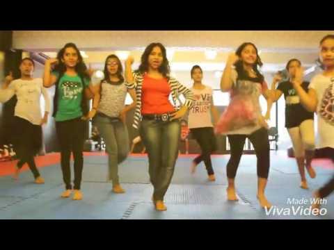 HOT infian. Collage Girl Dance