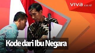 Kocak! Rambut Presiden Jokowi Bikin Ibu Iriana Gelisah