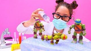 #Ninja Kaplumbağalar oyuncakları 🐢. Dr Eliz Michelangelo'yu AMELİYAT ediyor. Kız ve #erkekoyunları