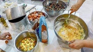 Portugal Street Food. Pataniscas de Cogumelos e Arroz de Tomate