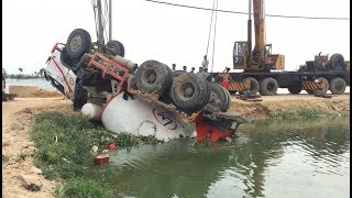 Awesome Extreme Heavy Equipment Recovery & Amazing