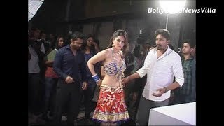 Sunny Leone's pre photoshoot preparations UNSEEN VIDEO.