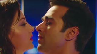 Pulkit Samrat-Urvashi Rautela in 'Hua hai aaj pehli baar' song from 'Sanam Re'  Hot Scenes!