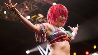 Asuka is heading to Raw and fans are freaking out