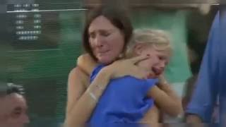 لحظة إنسانية مؤثرة للقاء طفلة فقدت أمها تتسبب في إيقاف مباراة تنس.. وذهول نادال