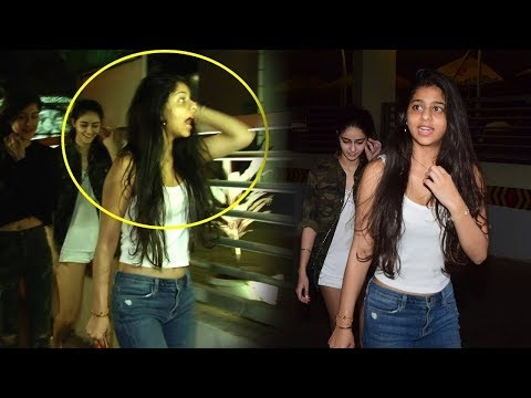 Xxx Mp4 Shah Rukh Khan S Hot Daughter Suhana Khan Harassed By Media Photographers On Mumbai Roads 3gp Sex