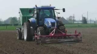 Aardappelen planten met New Holland TS 135 A + AVR