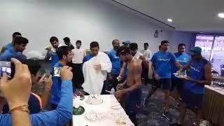 Hardik Pandya bday celebration Virat Kohli , ms Dhoni , Rohit Sharma