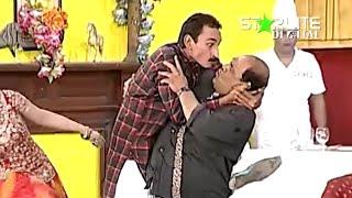 Funjabi Clips 01 Iftikhar Thakur New Pakistani Stage Drama Full Comedy Funny Clip