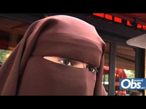Xxx Mp4 Vidéo Deux Femmes En Niqab à La Terrasse Du Fouquet S Nouvelobs Com 3gp Sex