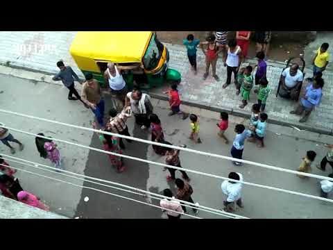 Xxx Mp4 Dangerous Ladies Fight On Road Fight Between Two Women On Road August 2017 3gp Sex