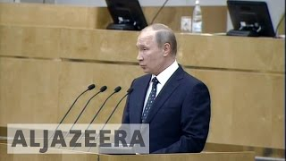 Putin calls for stronger Russia at parliament opening