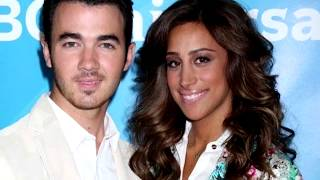 10 Godly Celebrities Who Waited until Marriage