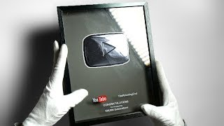 YOUTUBE REMEMBERED ME... (Kinda) Unboxing Silver Play Button & Subscriber Lobby