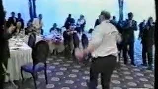Ахмад Кадыров танцует