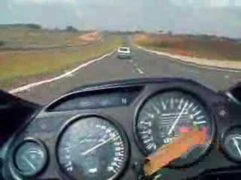 Gol 1985 Turbo 250Km h e Ninja aferindo a velocidade