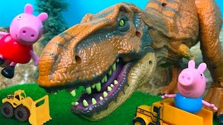 PEPPA PIG AND GEORGE PLAY WITH MIGHTY MACHINES AND FIND A DINOSAURS T-REX  EGG FORM JURASSIC WORLD