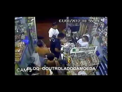 Policial a paisana reage a assalto em Manaus