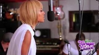 Keri Hilson - 'Pretty Girl Rock' (Acoustic  / Live On The Splash)