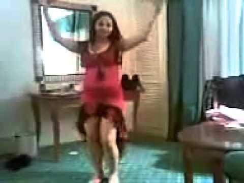 موزة و راقصة رقم واحد