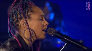 Alicia Keys - Try Sleeping With A Broken Heart Live