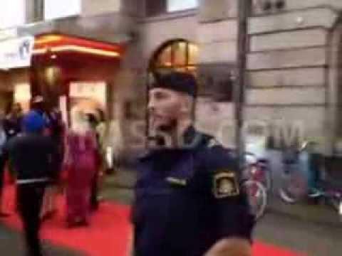 Xxx Mp4 زفة ثورية ضد ممثلات مصريات مؤيدات للإنقلاب العسكرى فى مهرجان مالمو بالسويد 3gp Sex