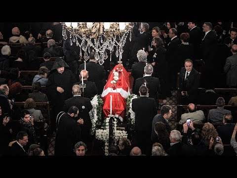 Ara Güler için Beyoğlu Üç Horan Ermeni Kilisesi'nde tören (1)