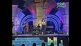 Sona Mohapatra 's homecoming - Rongoboti LIVE @ Barabati Indoor Stadium
