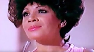 Shirley Bassey - LIVING (1975 Recording) (A Gilbert Becaud, Pierre Delanoe, Marcell Stellman Song)