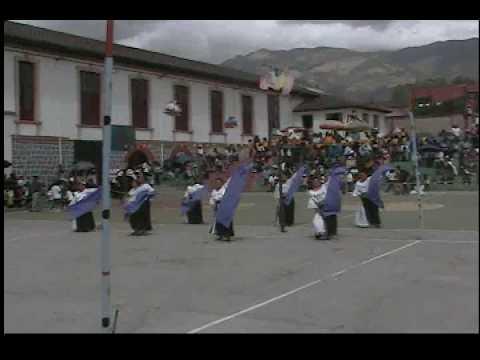 Danza folclore Cristiano Espiritu Santo IEVI Quito Ecuador