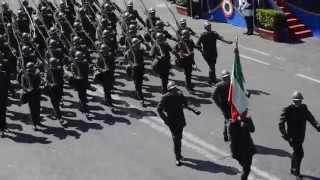 Parata Militare 2 giugno 2015 : La Brigata Sassari sfila sulle Note di Dimonios