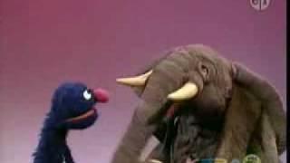 Sesame Street Global Grover ~ Afrika