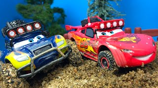 DISNEY PIXAR CARS LA SERIE TODOTERRENO BAJA MCQUEEN BLUE GRIT IDLE THREAT THE RADIATOR SPRINGS 500