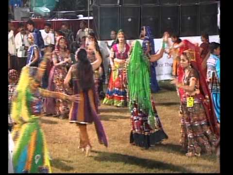 Gujarati Garba Song Navratri Live 2011 Lions Club Kalol Jignesh Kaviraj Day 3 Part 9