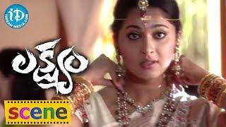 Anushka Romantic Video Scene - Romance of the Day 17 | Telugu