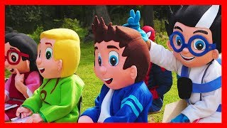 PJ Masks Learning Colors Classroom at School In Real Life with Paw Patrol Skye | Ellie Sparkles