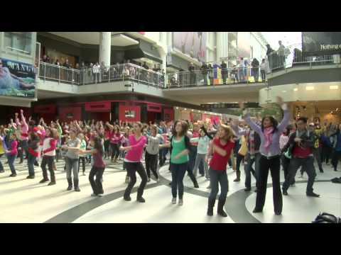 Xxx Mp4 I Believe She S Amazing Flash Mob Toronto Eaton Centre 3gp Sex